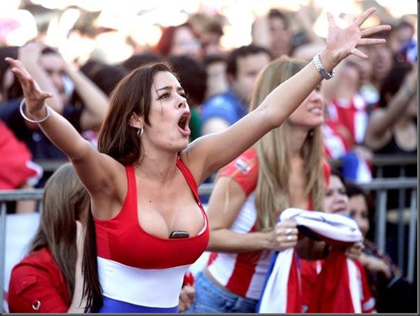 Paraguai x Espanha Sara Carbonero  e a  Larissa Riquelme (4)