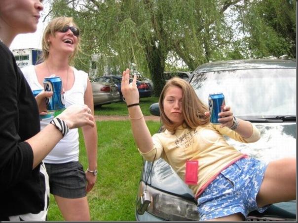 Pessoas totalmente embriagadas em eventos (2)