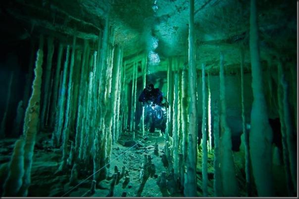 Lindas imagens de cavernas nas Bahamas