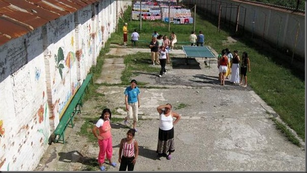 Vida das mulheres em uma prisão na Romênia (39)