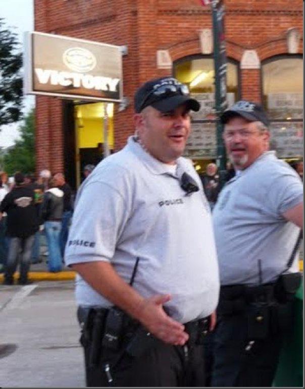 Policiais gordos (2)