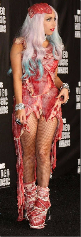 Lady Gaga e seu vestido feito de Carne (1)