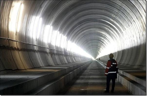 O maior túnel do mundo (1)