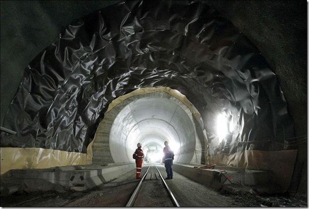 O maior túnel do mundo (2)