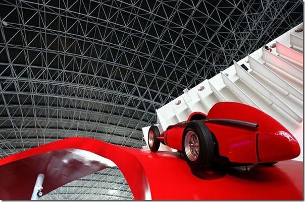 Ferrari World Abu Dhabi nos Emirados Árabes (4)
