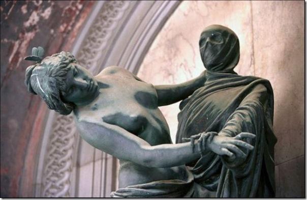 Esculturas no Cemitério (17)