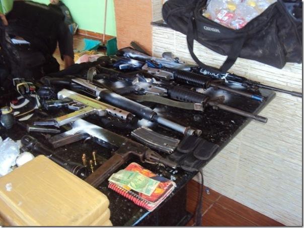 Quadro de Justin Bieber na casa de um traficante no Rio (4)