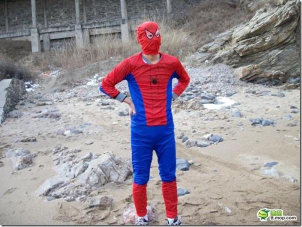 Homem aranha chinês (1)