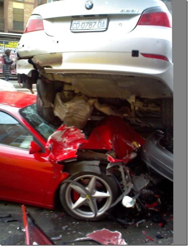 Ferrari destruida (1)