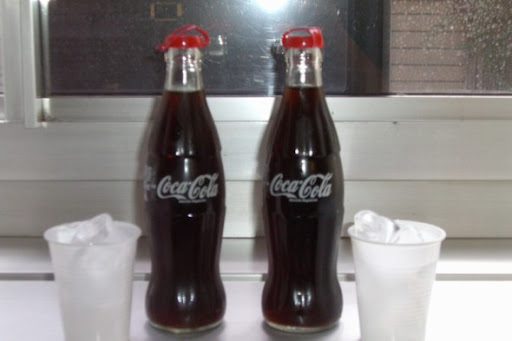 http://lh5.ggpht.com/_XZZugq3UBfc/RmRmP1JxdvI/AAAAAAAAAg8/8uY-pNKpx_0/10+euros+for+2+sodas.jpg