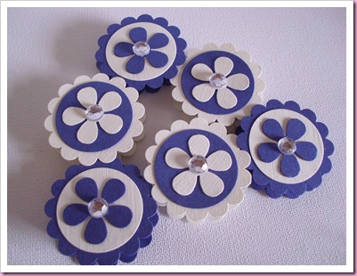 Scallop circle wedding favors