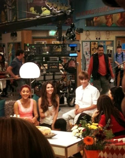 justinbieber friends victorious 2011