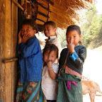 モン族の子供達 ラオスにて