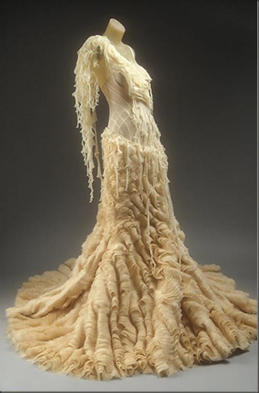 alexander-mcqueen-dress-2