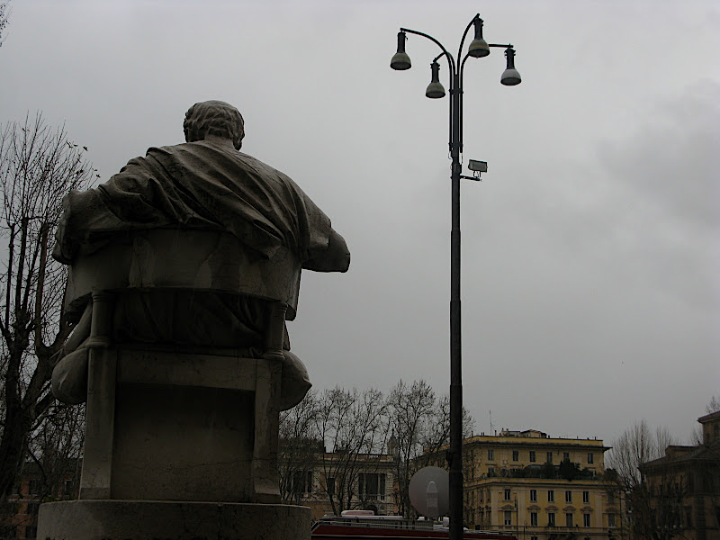 Piazza del Tribunali (II)