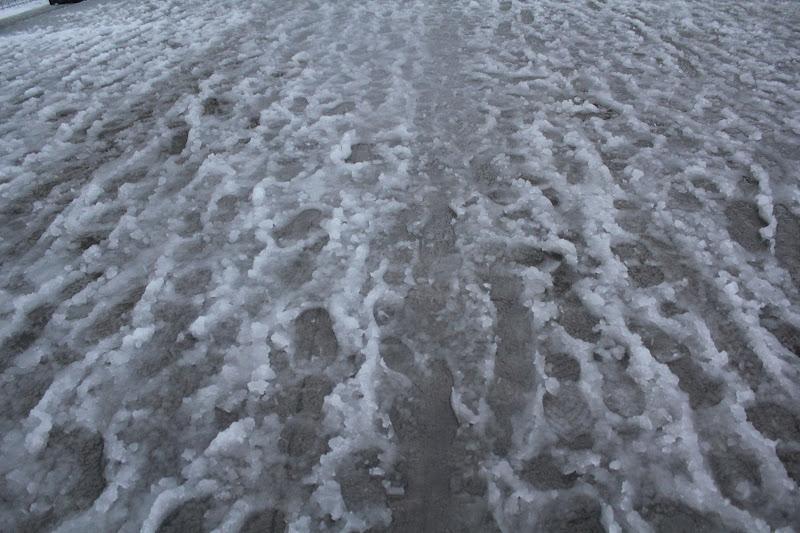 Sota el gel, l'asfalt