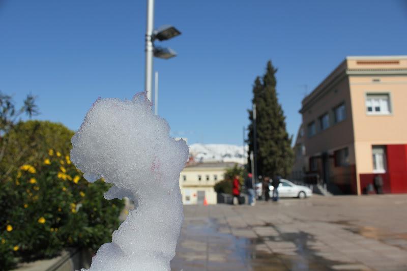 El dia després de la nevada: Plaça de la Vila de Gramenet