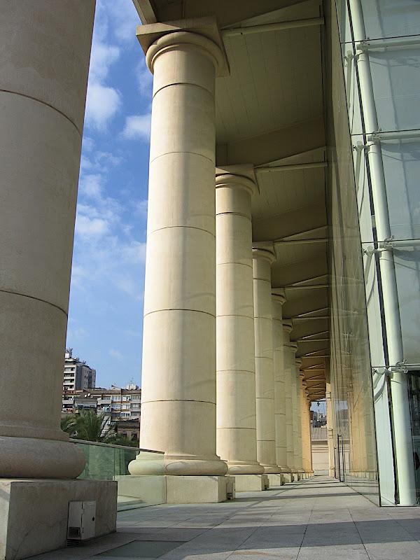 Columnes del Teatre Nacional de Catalunya