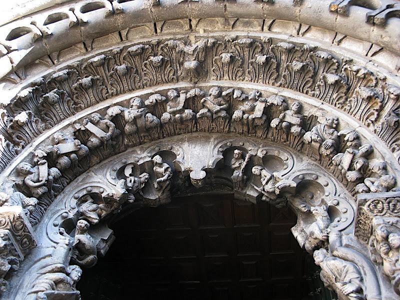 Detall de la porta de la catedral d'Ourense