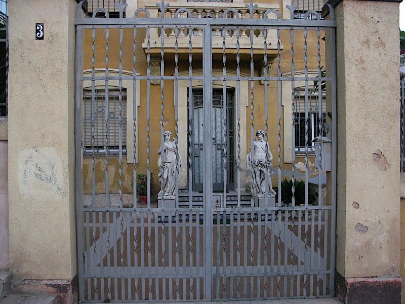 Porta de Casa Particular