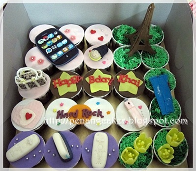 Penang_Cakes_Evadis_Cupcakes-Eifle_Tower_Ipod_Coach_Theme
