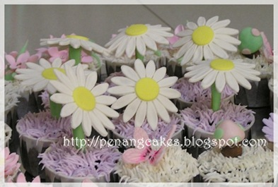 PenangCakes_Evadis_Cupcakes-Flower_Design_Daisy