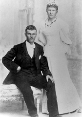 O.Seymour &amp; Polly May Hunsaker Stapley&#39;s wedding day