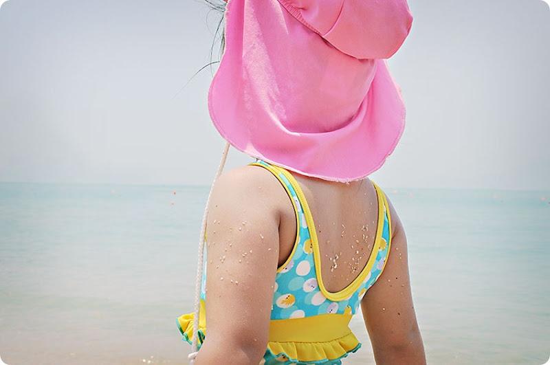 zoe-beach2