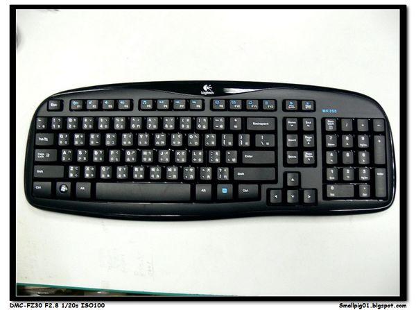 [開箱] 羅技MK250 2.4Ghz 無線鍵盤滑鼠組