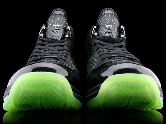 185c091ec828 Another Look at the Black Dunkman Nike Air Max LeBron VII 7 ...