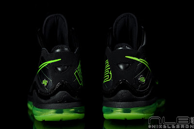 lebron7 black dunkman 94 web Air Max LeBron VII Black/Electric Green aka Dunkman Showcase