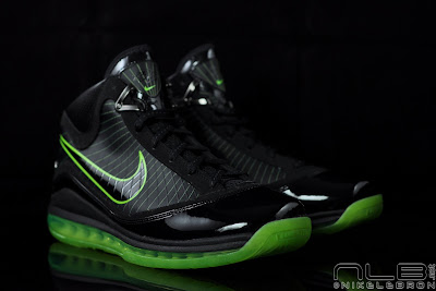 lebron7 black dunkman 92 web Air Max LeBron VII Black/Electric Green aka Dunkman Showcase
