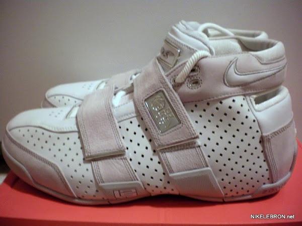 Throwback Thursday Nike Zoom LeBron 2055 8220ProCity8221 LA