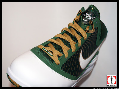 nike air max lebron 7 pe svsm away 3 06 Air Max LeBron VII (7) SVSM Away Player Exclusive Showcase