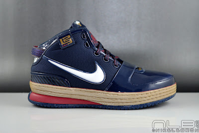 lebron6 the chalk 10 web The Chalk is Back! LeBron to Bring Back Pregame Powder Toss.
