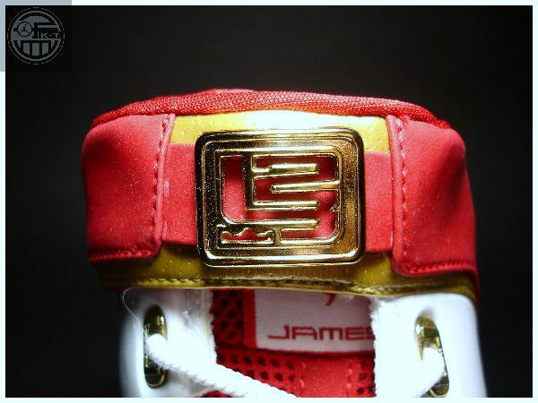A Look Back at King James8217 Nike Zoom LeBron IV Home PE