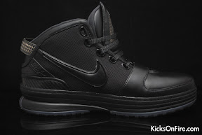nike zoom lebron 6 gr black anthracite 9 06 General Release Zoom LeBron VIs   Black   Navy   New Photos