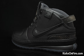 nike zoom lebron 6 gr black anthracite 9 08 General Release Zoom LeBron VIs   Black   Navy   New Photos