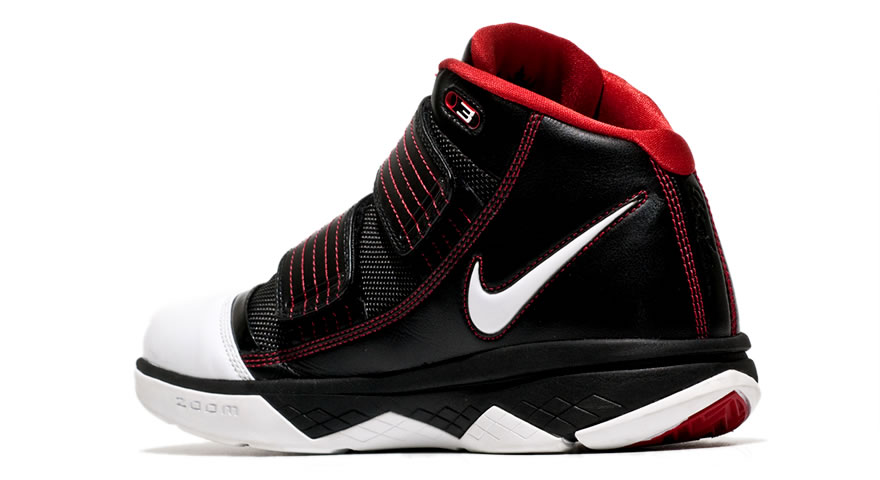... Initial Look at the Black White Red Nike Zoom Soldier 3 ...