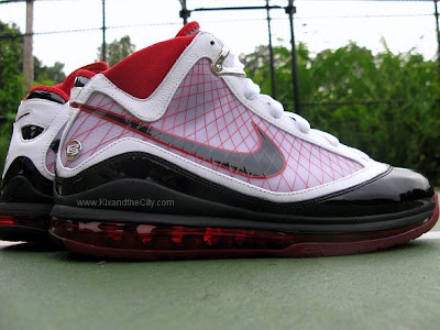 nike zoom lebron 7 gr black red white 4 16 Actual Photos Presenting the Upcoming Nike Air Max LeBron 7 (VII)