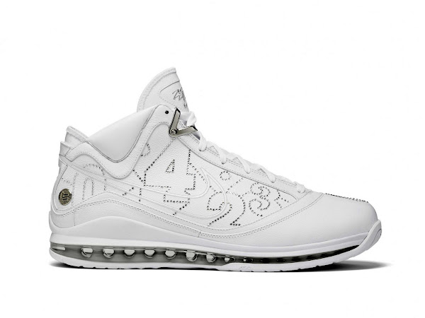 Second Look at the Artist Series Nike Air Max LeBron VII NYC