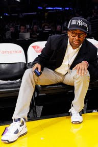 wearing brons nba lebron7 yankees 03 Wearing Brons   Spike Lee Showing Some NY Yankees Love in L.A.