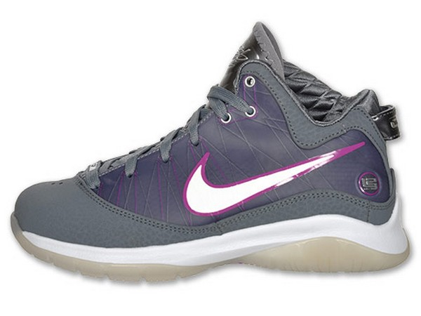 New LeBron VII PS Colorway Available at Finishline Kids Only