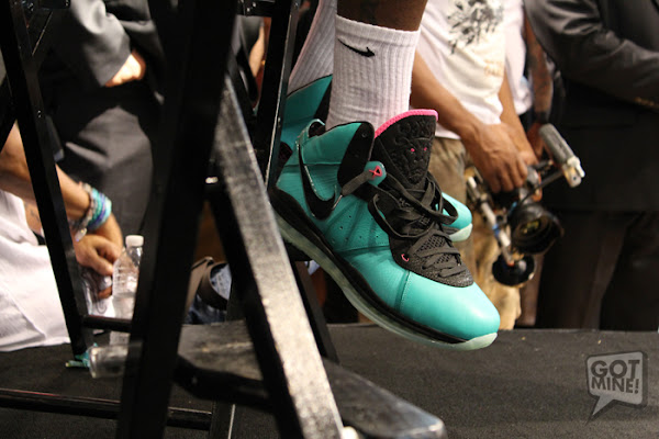 LeBron James Debuts the South Beach 88217s Grand Opening of Dadeland Mall House of Hoops Miami