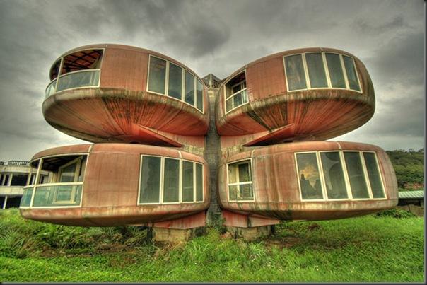 The Ufo House ( Sanjhih , Taiwan)