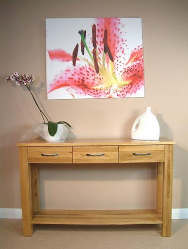 Table Design of Adira Oak Console