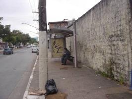 Ponto de ônibus na Av. Engenheiro Corbisier, 643