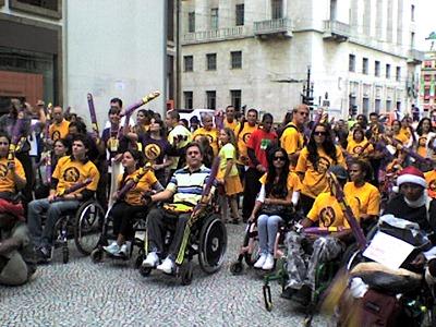 Participantes da Passeata do Movimento SuperAção na Praça do Patriarca