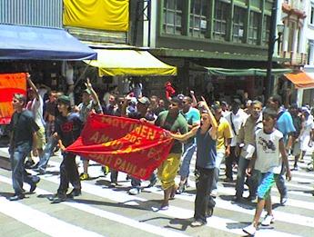 Manifestantes na Ladeira General Carneiro. Foto: Flaviana Serafim