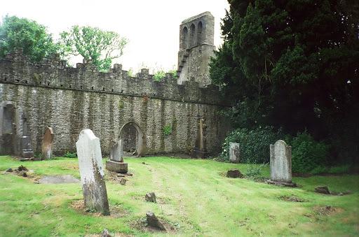 Cemitério (Fundos) 12630123